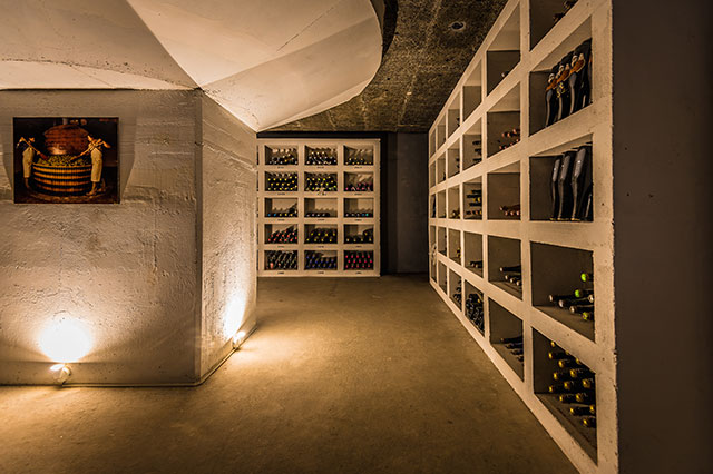 Discover our wine cellar